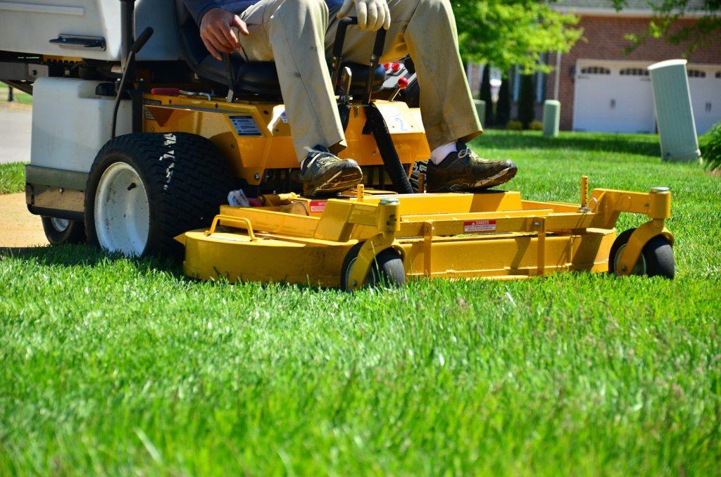 professional Dearborn lawn service