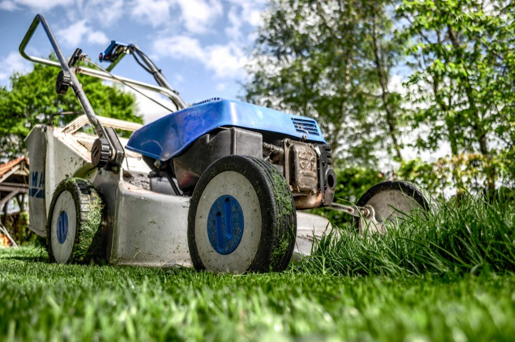 Lawn cutting service in Dearborn